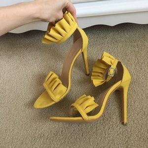 Yellow frill ruffle high heels